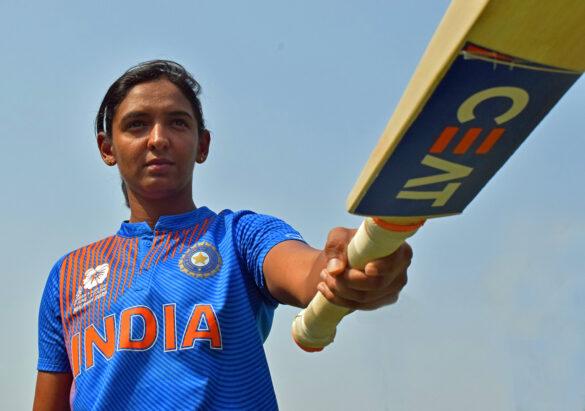 एमएस धोनी और रोहित शर्मा को पीछे छोड़ ऐसा करने वाली पहली भारतीय क्रिकेटर बनीं हरमनप्रीत कौर 22