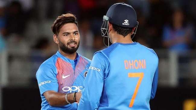 महेंद्र सिंह धोनी क्या खेलेंगे 2020 का  टी20 विश्व कप? बचपन के कोच ने दिया जवाब 1
