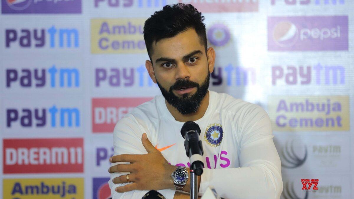 दक्षिण अफ्रीका के खिलाफ टेस्ट मैच से पहले प्रेस कांफ्रेस में मजाकिया अंदाज में नजर आए विराट कोहली यहाँ देखें वीडियो