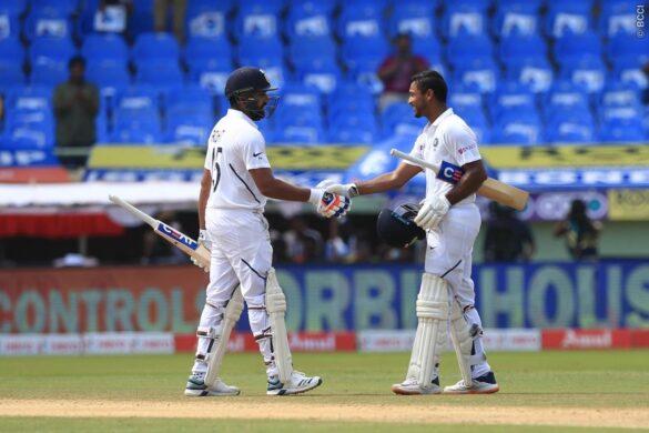 रोहित शर्मा और मयंक अग्रवाल की सलामी बल्लेबाजी ने तोड़ा गंभीर और सहवाग का 15 साल पुराना रिकॉर्ड 25