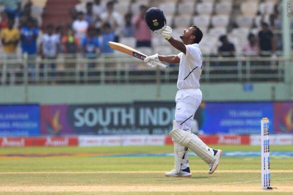 INDvSA, पहला टेस्ट: मयंक अग्रवाल ने बनाया दोहरा शतक, मजबूर स्थिति में भारतीय टीम 55