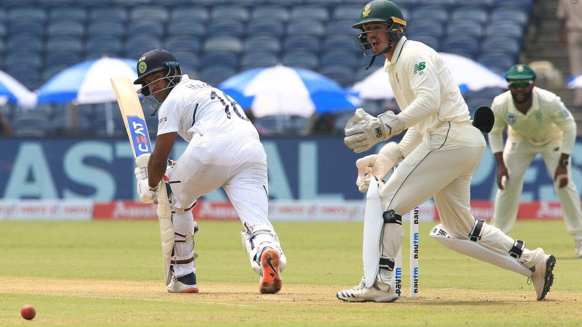 IND vs SA : 273 रन बना मजबूत स्थिति में पहुंचा भारत, अजिंक्य रहाणे को हुई परेशानी से 5 ओवर पहले ही विराट ने खत्म कराया दिन का खेल