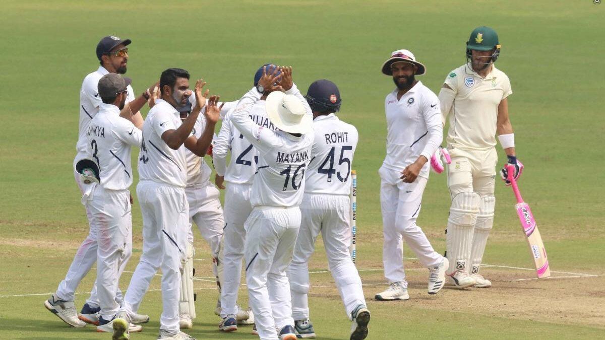 137 रन और 1 पारी से मैच जीतकर भारत ने 2-0 से जीता सीरीज, सोशल मीडिया पर आ रही ऐसी प्रतिक्रिया