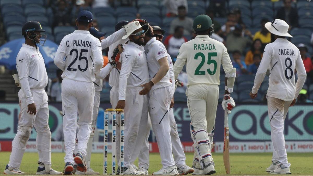 IND vs SA : कंधे की चोट के चलते तीसरे टेस्ट मैच से बाहर हुए केशव महाराज, टीम इंडिया के लिए राहत