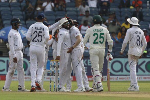 IND vs SA : कंधे की चोट के चलते तीसरे टेस्ट मैच से बाहर हुए केशव महाराज, टीम इंडिया के लिए राहत 4