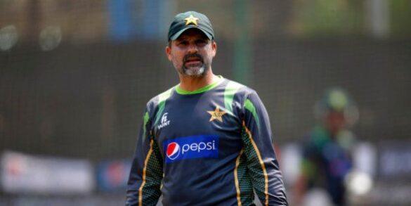 मोईन खान ने सरफराज अहमद के कप्तानी से हटने के लिए मिस्बाह और वकार को माना जिम्मेदारी 6