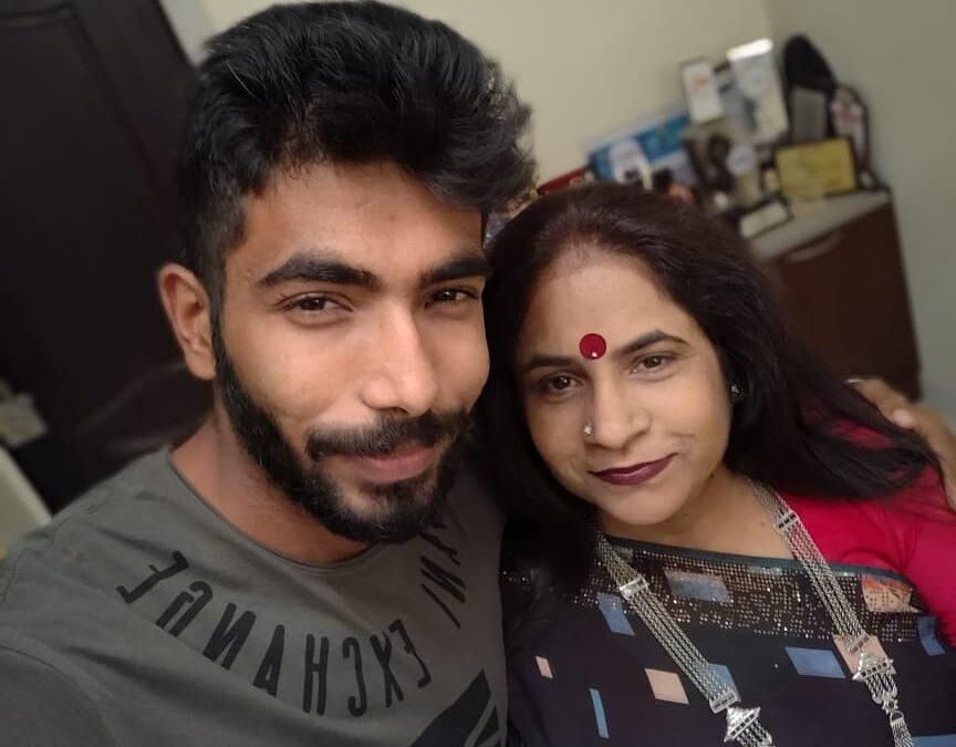 जसप्रीत बुमराह को पहली बार टीवी पर देख रोती रही उनकी माँ, वीडियो में देखें वजह