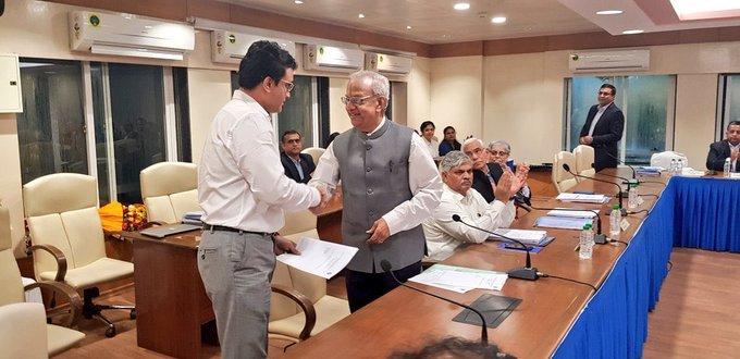 सौरव गांगुली आज बने बीसीसीआई के अध्यक्ष, सोशल मीडिया पर फैन्स और साथी खिलाड़ी दे रहे हैं बधाई