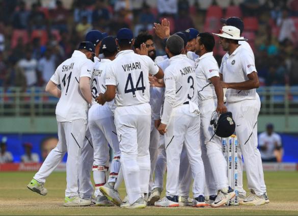 6 भारतीय क्रिकेटर जिन्होंने करीब एक साल से भी ज्यादा समय तक टीम से दूर रहने के बाद लिया संन्यास 11