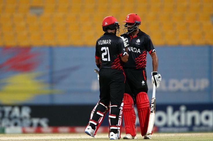 टी-20 विश्व कप क्वालीफायर: बल्लेबाजी छोड़कर मैदान से बाहर भागा बल्लेबाज, देखें वीडियो 3