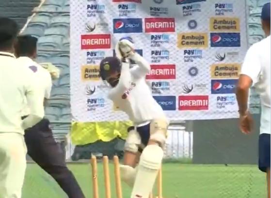 विराट कोहली ने नेट्स पर गेंदबाजी की जमकर धुनाई की, देखें वीडियो 2