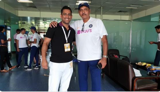 रवि शास्त्री से मिले महेंद्र सिंह धोनी, अब उठेगा संन्यास के राज से पर्दा 5