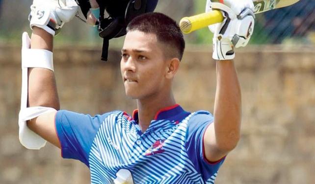 यशस्वी जायसवाल ने 203 रनों की पारी  खेलकर बनाये 8 बड़े रिकॉर्ड, ऐसा करने वाले एकलौते खिलाड़ी 1