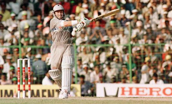 क्रिकेट मैच के एक ओवर में 37 नहीं बल्कि बने हैं 77 रन, देखें स्कोरकार्ड 12