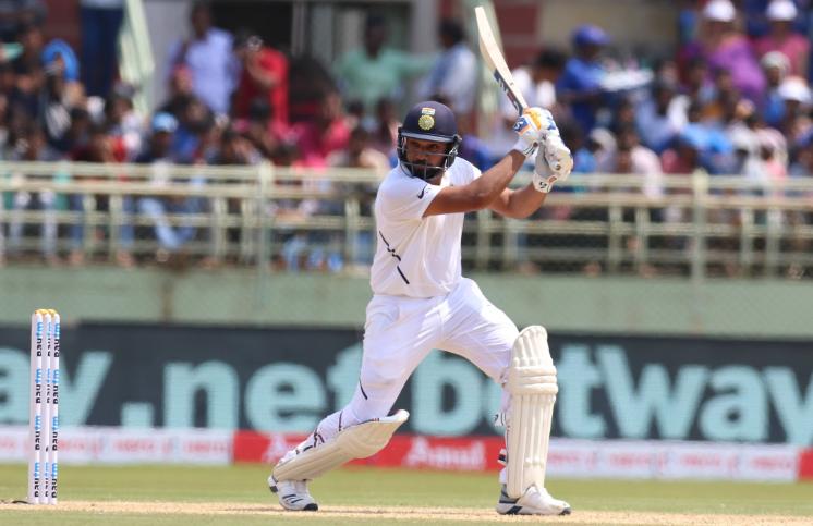INDvSA, पहला टेस्ट: रोहित शर्मा और मयंक अग्रवाल ने मैदान पर उतरते ही की 47 साल पुराने रिकॉर्ड की बराबरी 1