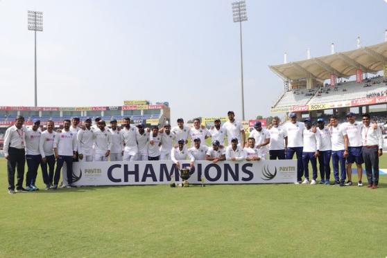 INDvsSA : 3-0 से सीरीज जीतने के बाद सोशल मीडिया में तस्वीरें पोस्ट कर भारतीय खिलाड़ियों ने कुछ ऐसे जताई ख़ुशी 4
