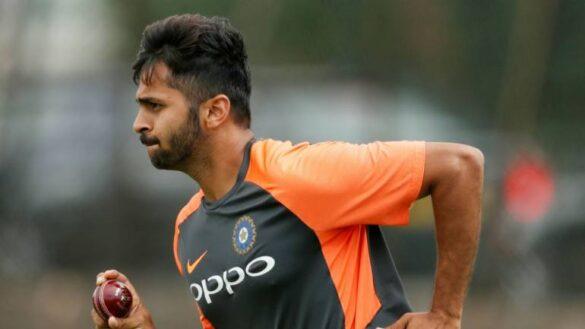 NZ vs IND- न्यूजीलैंड के खिलाफ लगातार दो जीत के बाद भी शार्दुल ठाकुर पर गिर सकती है गाज, इस खिलाड़ी को मिल सकता है मौका 36