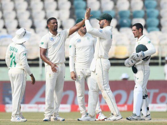 SA v ENG : इंग्लैंड की टीम मात्र 181 रन पर हुई ढेर, ऐसा रहा दूसरे दिन का हाल 22