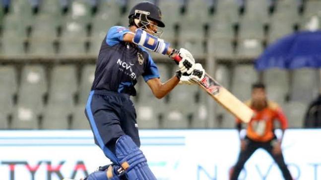 आईपीएल की इन पांच टीमों की ऑक्शन में रहेंगी यशस्वी जायसवाल पर नजरें, लगाना चाहेंगें दांव 1