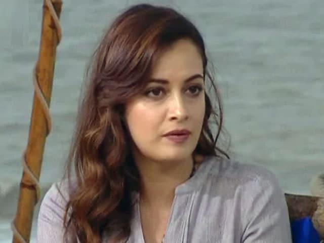 इस बॉलीवुड अभिनेत्री ने बीसीसीआई पर उठाए सवाल, कहा प्रदुषण के बावजूद दिल्ली में मैच क्यों? 2