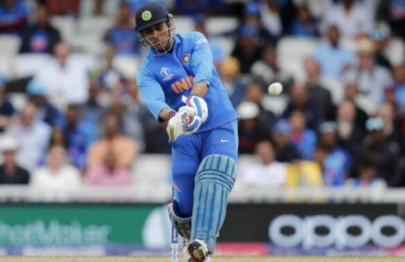 वनडे क्रिकेट में महेन्द्र सिंह धोनी हैं 5 स्थानों पर शतक लगाने वाले एकलौते बल्लेबाज 25