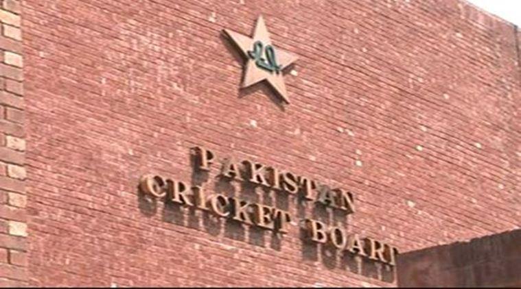 पाकिस्तान में मैच के दौरान मैदान पर ही हुई अंपायर की मौत 1