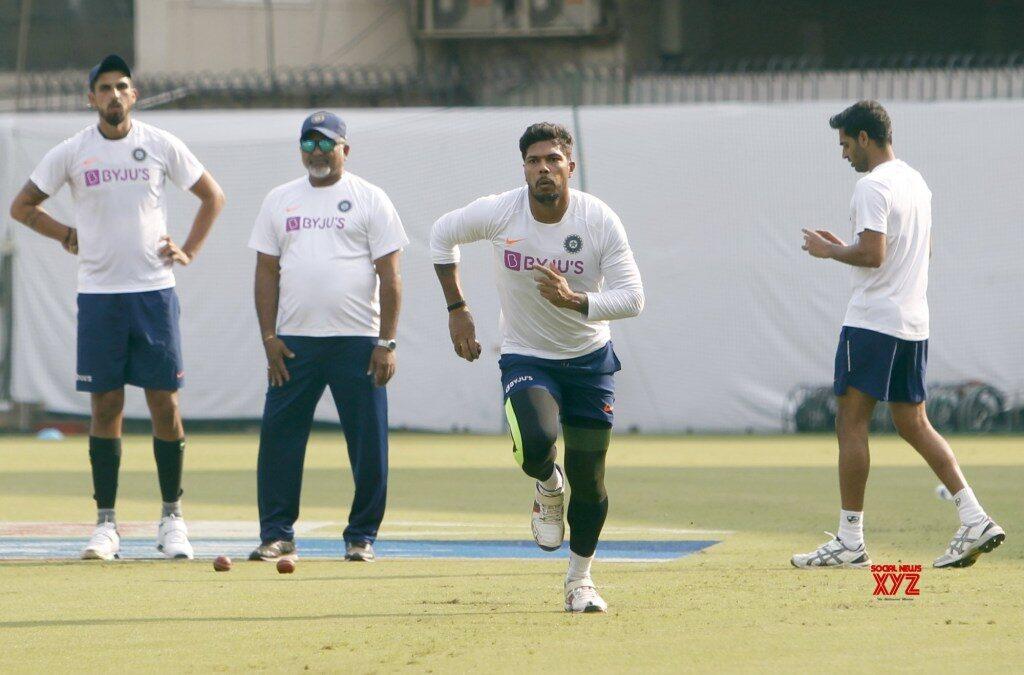 PHOTOS : भारतीय टीम ने प्रैक्टिस में बहाया पसीना, रवि शास्त्री ने इन खिलाड़ियों पर रखी कड़ी नजर