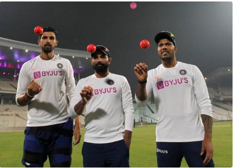 मोहम्मद शमी ने टीम इंडिया की तेज गेंदबाजी तिकड़ी को शिकारी कहकर किया फनी पोस्ट 12