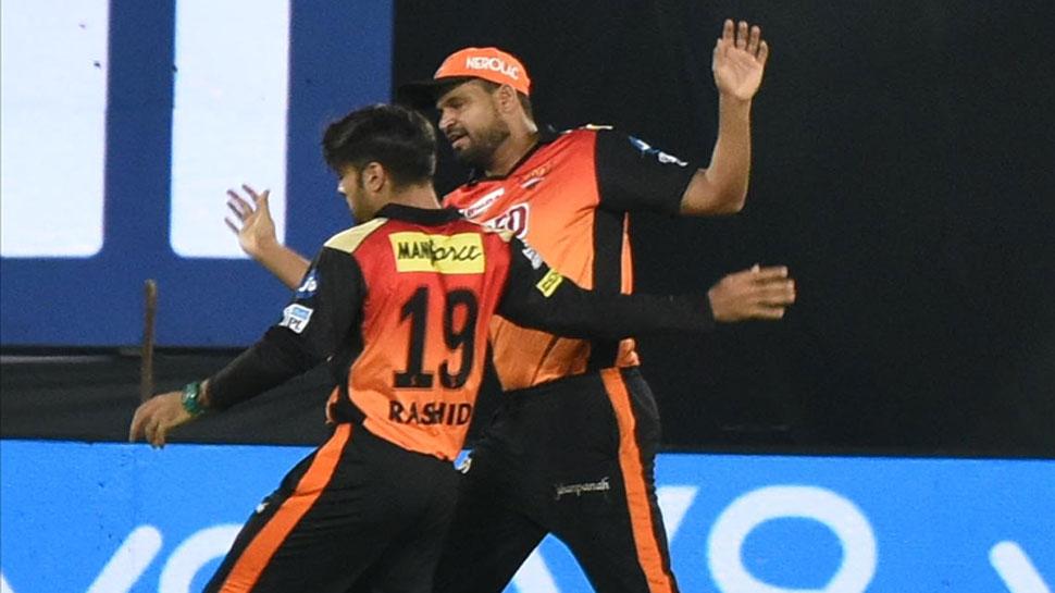 """युसूफ पठान के शानदार कैच पर राशिद खान ने ली चुटकी """"ये पठान के हाथ हैं ठाकुर"""" 3"""
