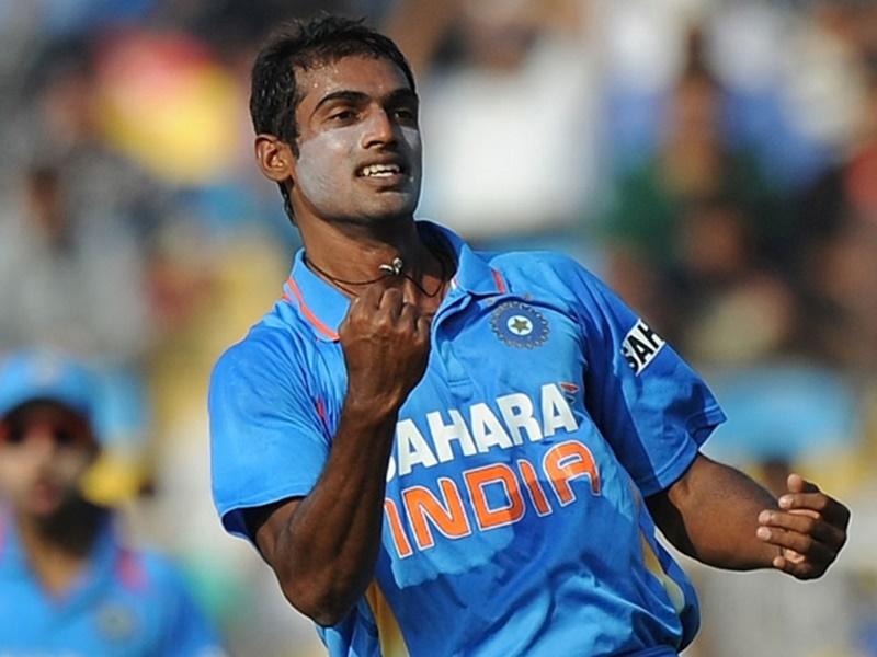 वीडियो : अभिमन्यु मिथुन ने रच दिया इतिहास, एक ओवर में ही ले लिए 5 विकेट 3