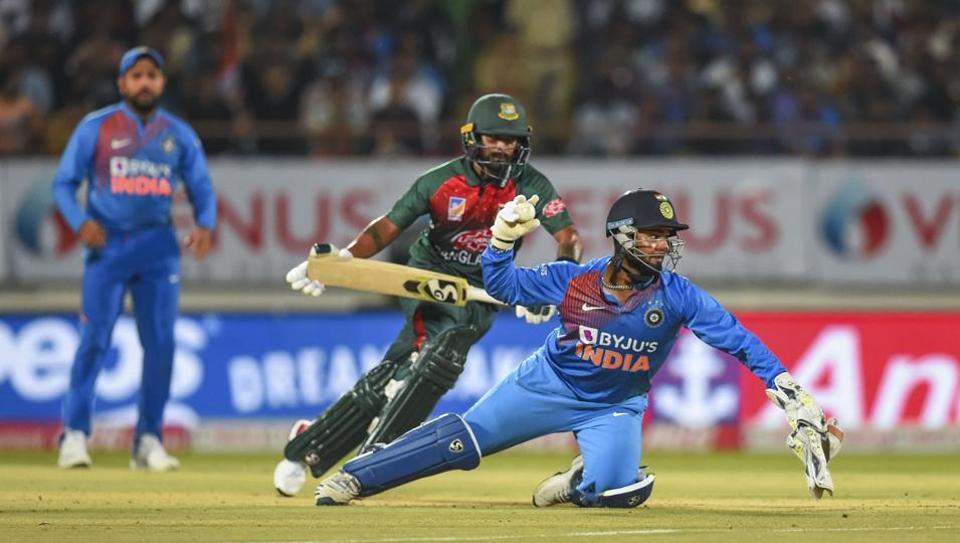 बांग्लादेश टीम के कोच ने कहा भारत के कम अनुभवी गेंदबाजी यूनिट का उठायेंगे फायदा 1