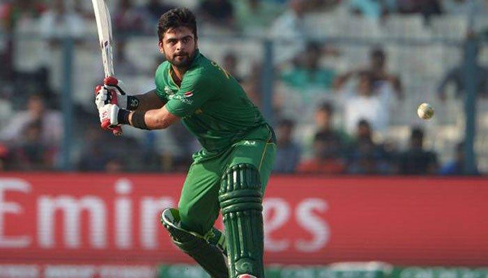 पाकिस्तान क्रिकेट टीम के सलामी बल्लेबाज अहमद शहजाद ने उमर अकमल से तुलना पर कही ये बात