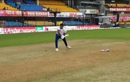 रविचंद्रन अश्विन ने बाएं हाथ से की बल्लेबाजी, देखें वीडियो 35