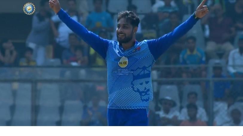 मनोज तिवारी ने सैयद अली मुश्ताक में मुंबई के खिलाफ पकड़ा शानदार कैच, देखें वीडियो 2