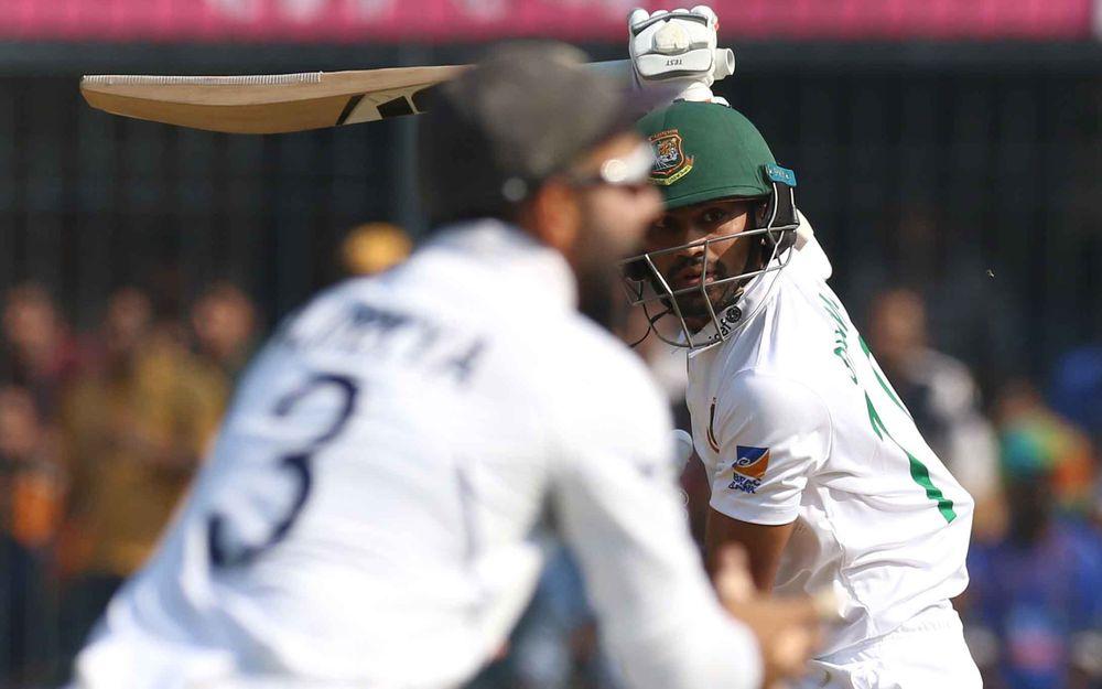 वीडियो : अश्विन की इस लाजवाब आर्म गेंद पर आउट हुए बांग्लादेशी कप्तान मोमिनुल हक, टर्न देख नहीं होगा यकीन 1