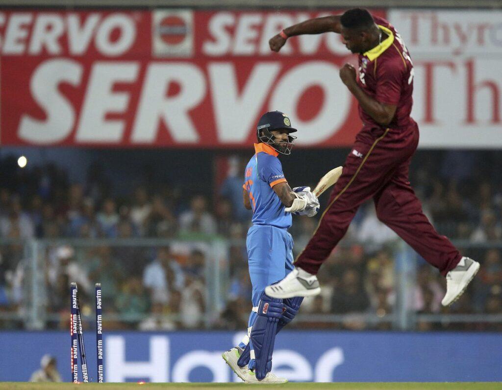 सुनील गावस्कर ने कहा अगर अगले 2 मैचों में नहीं चला यह खिलाड़ी तो टीम इंडिया से हो बाहर 2