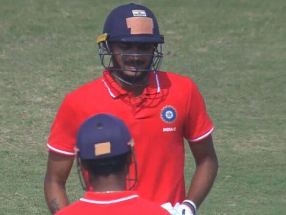 देवधर ट्रॉफी 2019-20: इंडिया सी ने इंडिया बी को दी करारी शिकस्त, मार्कंडे और अक्षर चमके 1