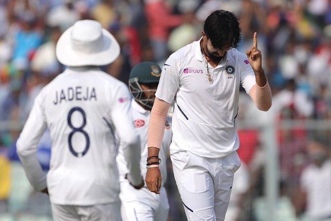 INDvsWI : पिंक बॉल टेस्ट मैच में पहला सेशन रहा भारतीय तेज गेंदबाजो के नाम, झटके 6 विकेट