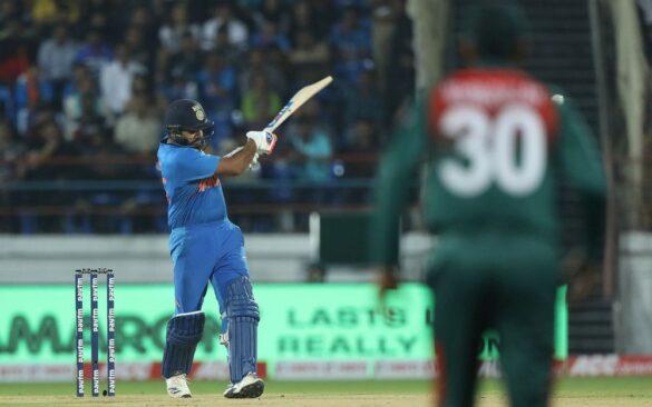 INDvBAN, दूसरा टी-20: रोहित शर्मा की विस्फोटक बल्लेबाजी से भारत 8 विकेट से जीता 3