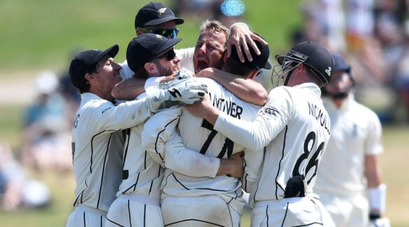 NZ vs ENG- न्यूजीलैंड ने इंग्लैंड को एक पारी और 65 रन से हराया, देखे पूरे मैच का स्कोरकार्ड 8