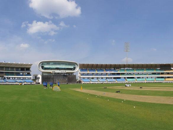 राजकोट टी-20 पर से महा चक्रवात का खतरा हुआ कम, जाने हर घंटे के मौसम का हाल 29