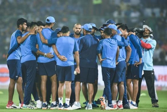 टीम इंडिया से ड्रॉप होने के बाद इस गेंदबाज ने मैदान पर फैलाई सनसनी, 4 ओवर 5 रन देकर लिए 3 विकेट 10