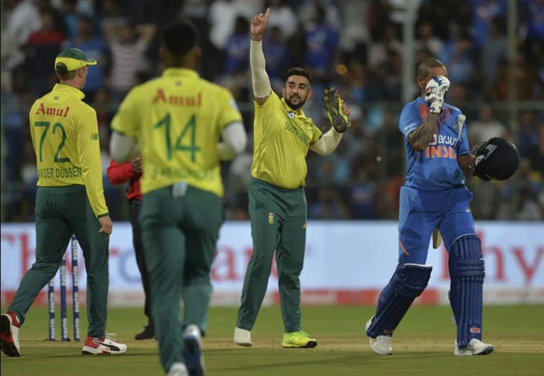 सुनील गावस्कर ने कहा अगर अगले 2 मैचों में नहीं चला यह खिलाड़ी तो टीम इंडिया से हो बाहर 3