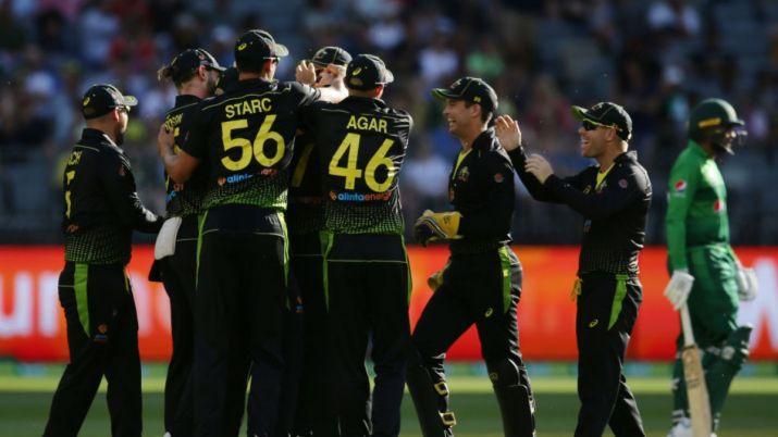 AUSvPAK, तीसरा टी-20: 10 विकेट से मुकाबला जीतकर ऑस्ट्रेलिया ने सीरीज अपने नाम किया 2