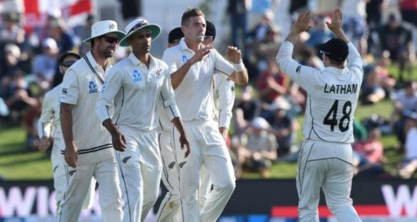 इंग्लैंड के खिलाफ मिली जीत के बाद, न्यूजीलैंड को लगा बड़ा झटका स्टार खिलाड़ी पसलियों में दर्द के चलते हुआ दूसरे टेस्ट से बाहर 7