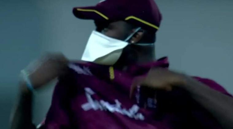 AFGvWI, दूसरा वनडे: लखनऊ में वेस्टइंडीज के खिलाड़ियों ने मास्क पहनकर की फील्डिंग 1