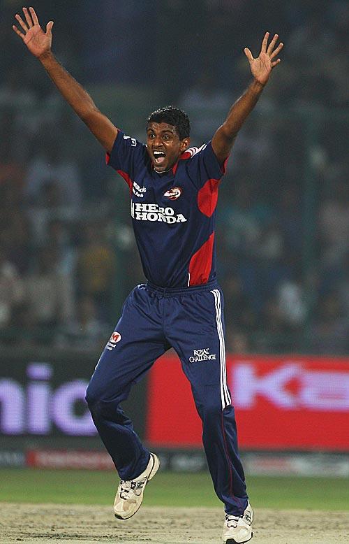 2008 में दिल्ली डेयरडेविल्स के सबसे पहले मैच की प्लेइंग XI के सदस्य अब कहाँ है और क्या कर रहे है? 10