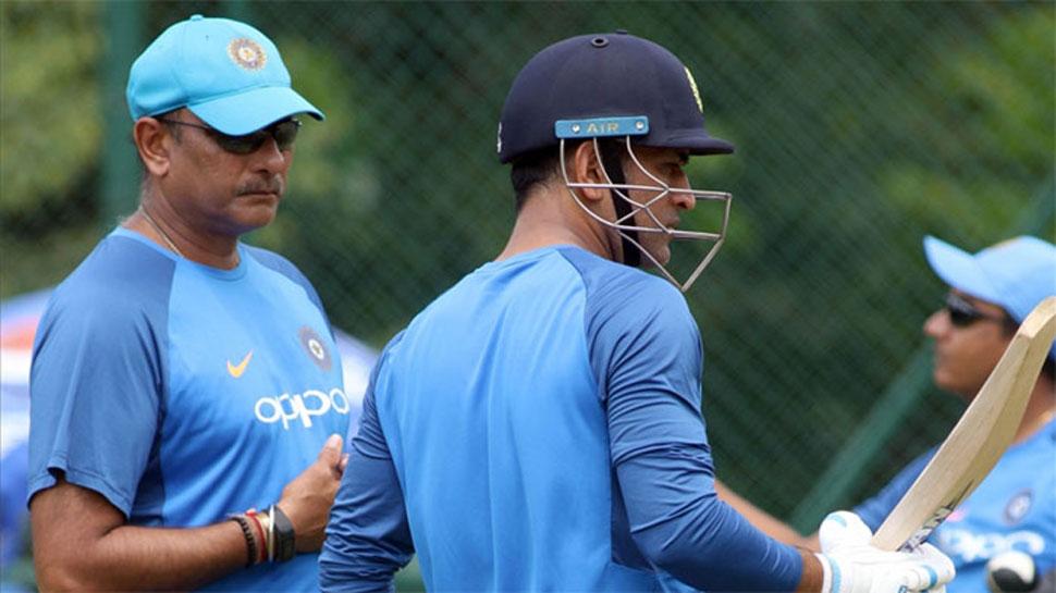 रवि शास्त्री का बड़ा खुलासा, इस वजह से महेंद्र सिंह धोनी ने विश्व कप सेमीफाइनल में नंबर 7 पर की बल्लेबाजी 1