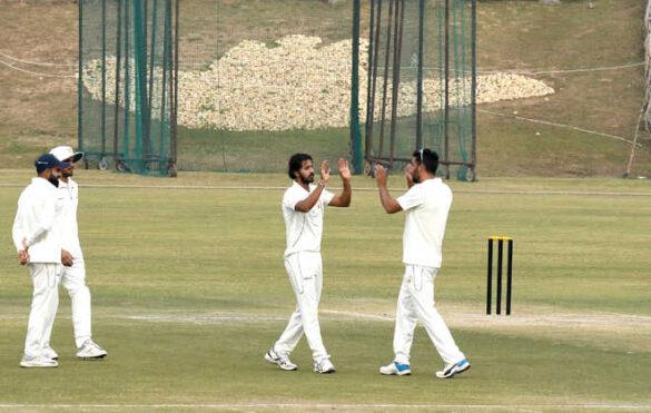 रणजी ट्रॉफी, ग्रुप सी-प्लेट: दूसरे दिन का राउंड अप, युवा गेंदबाज ने पारी में लिए 9 विकेट 27
