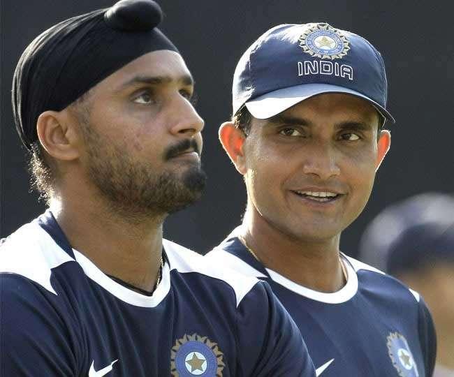 सौरव गांगुली ने कहा हरभजन सिंह को गेंदबाजी करते देखना पहली नजर में लड़की से होना जैसा था 3